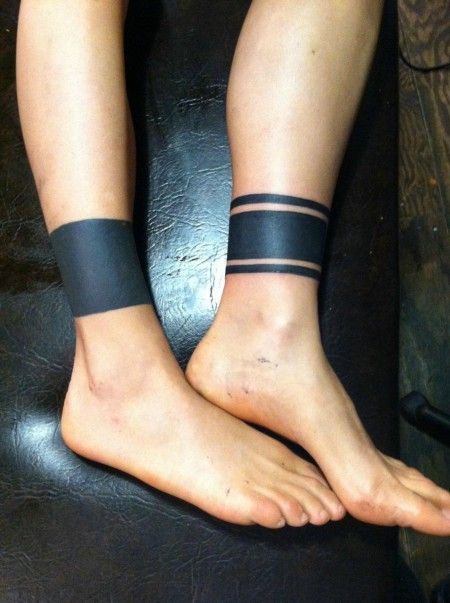 Black Solid Band Tattoo On Leg