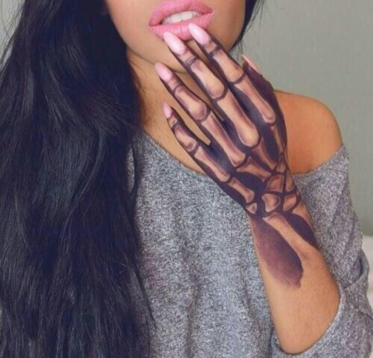 19+ Bone Tattoos On Hands