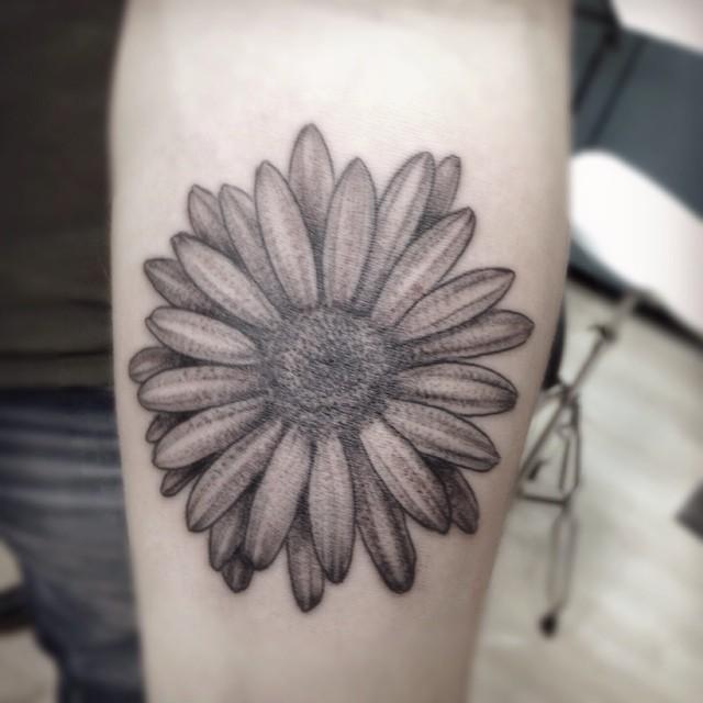 35 Cute Daisy Tattoos