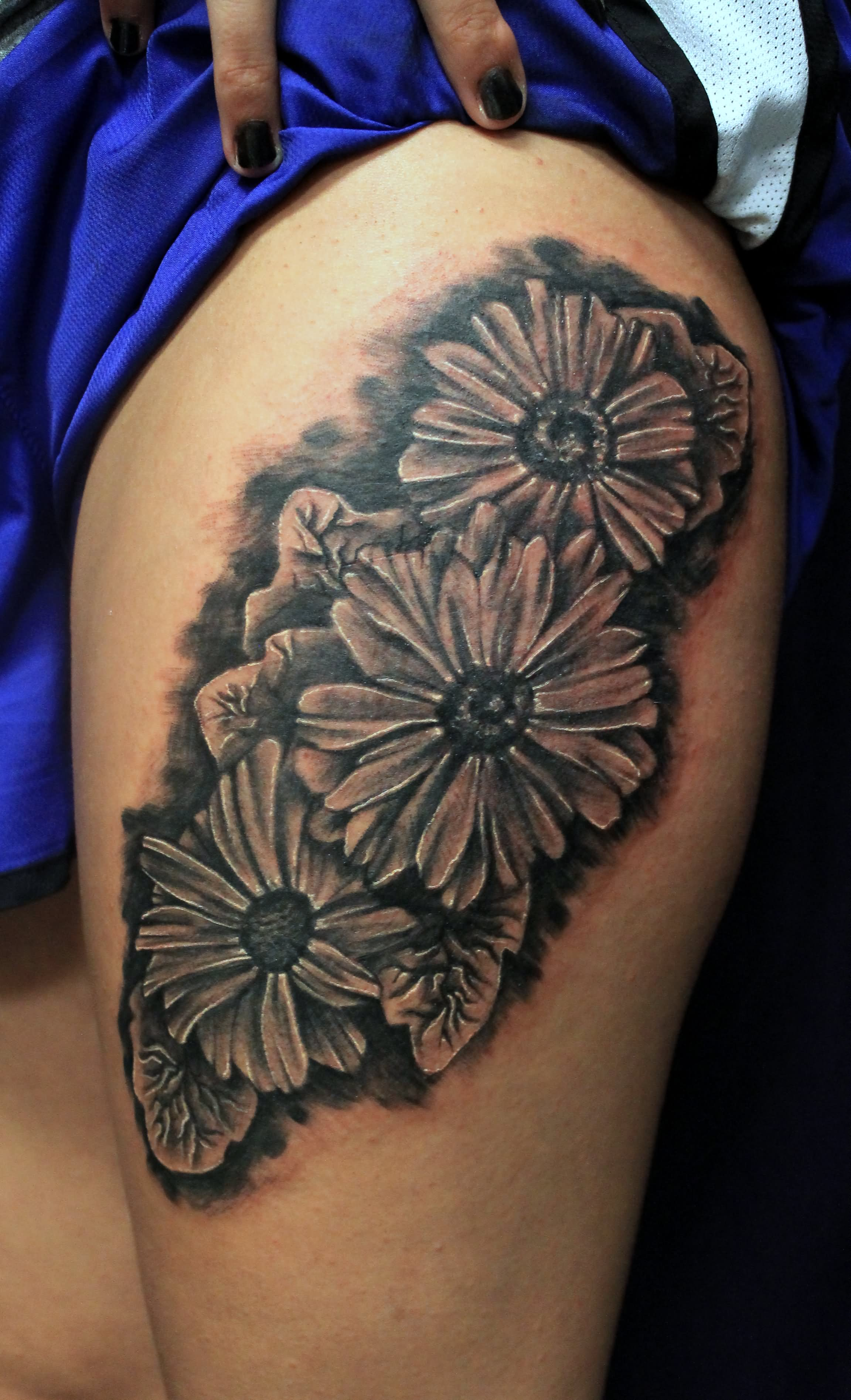 Black And White Flower Tattoos On Wrist: 40+ Black And White Daisy Tattoos