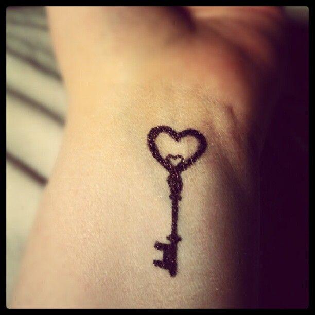 24 cute heart key tattoos. Black Bedroom Furniture Sets. Home Design Ideas