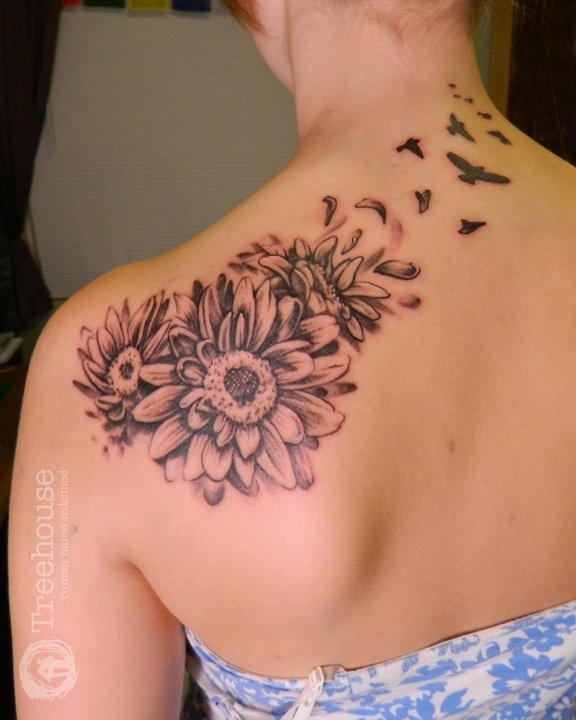 d3a9db0bd75e7 Black Ink Daisy Flowers Tattoo On Girl Left Back Shoulder