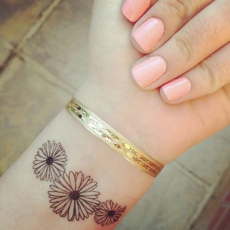 41 cool daisy tattoos on wrist. Black Bedroom Furniture Sets. Home Design Ideas