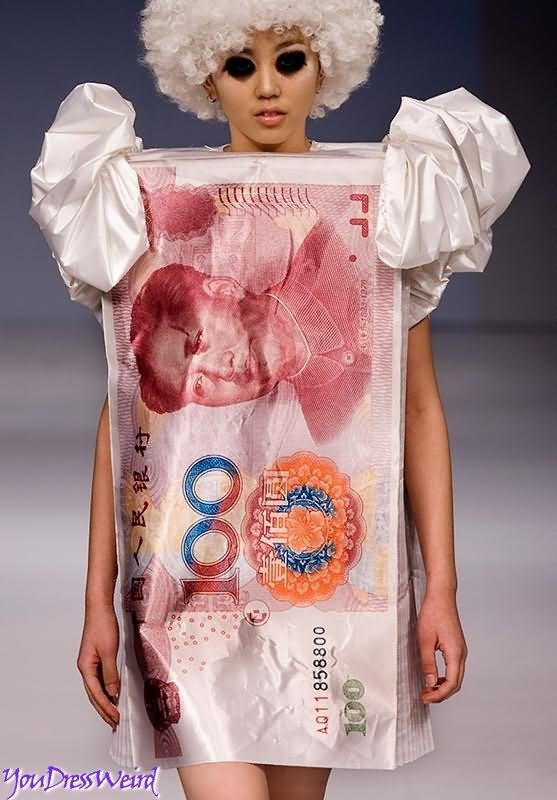 Woman Weird Clothes 8