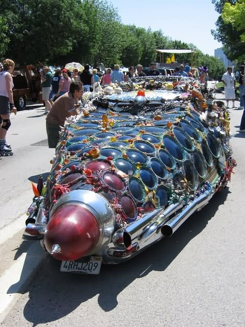Strange Looking Funny Car Image