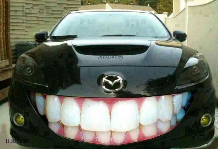 Teeth Showing Car Funny Picture