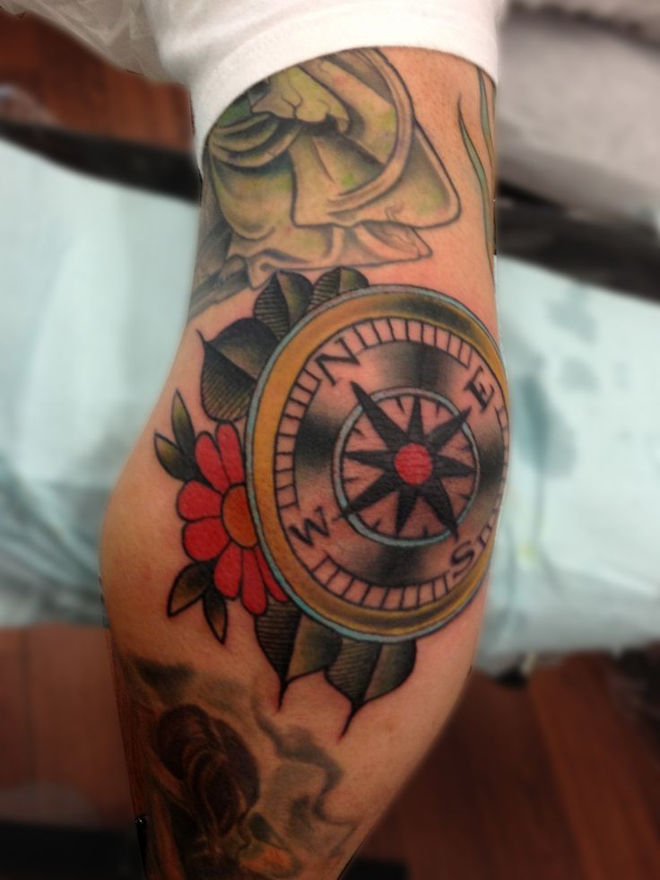 Traditional Compass Tatoo: 40+ Wonderful Elbow Tattoos