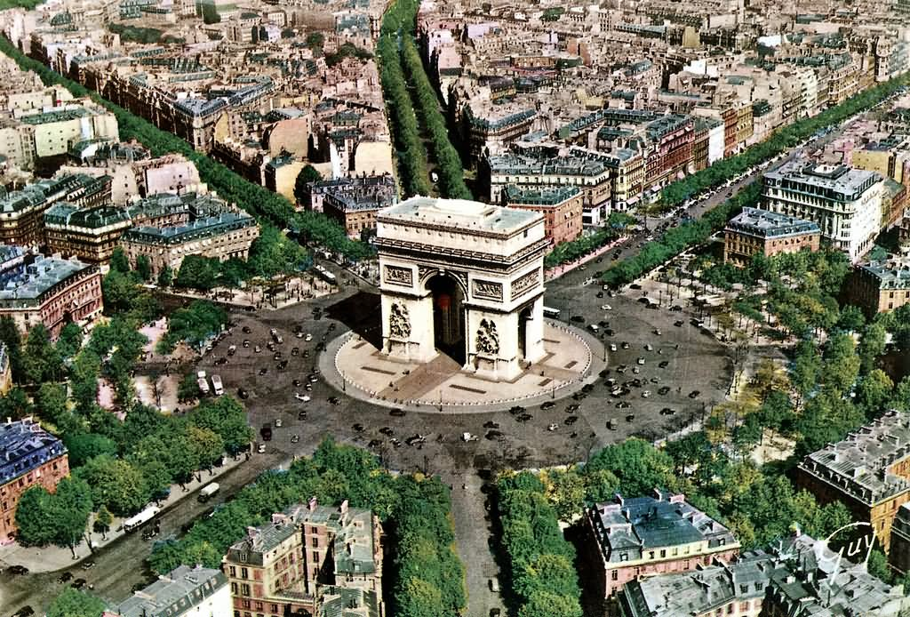 Aerial-View-Of-Arc-de-Triomphe1.jpg
