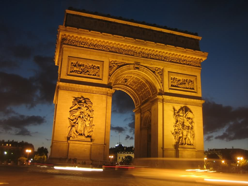 Arc De Triomphe Looks Awesome In Night Lights