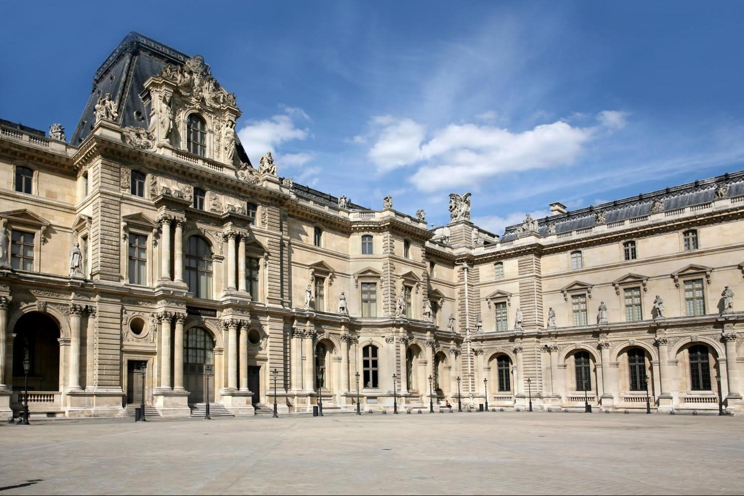 Beautiful Picture Of The Louvre Museum