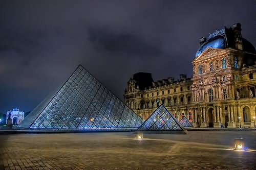 Beautiful The Louvre Museum In Paris