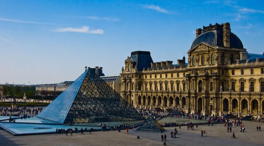Best Place To Visit In Paris The Louvre Museum