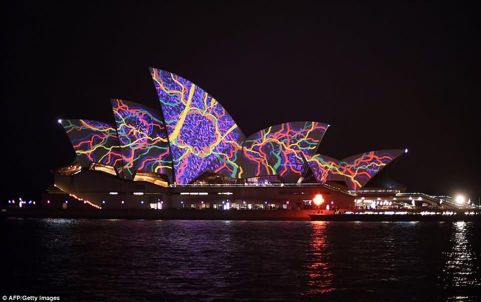 30 Most Stunning Sydney Opera House Night Images