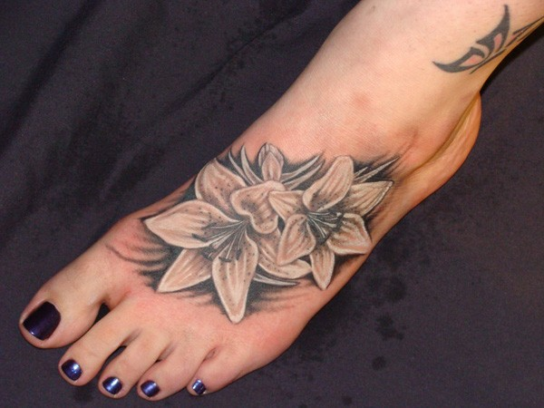31 amazing black and white floral tattoos for White lotus tattoo