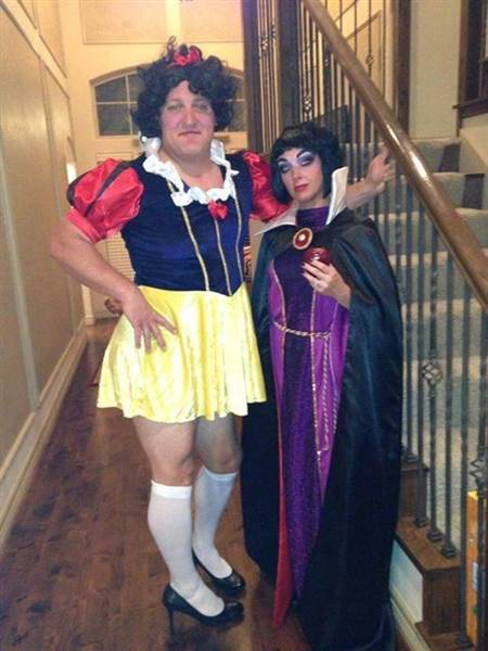 30 Very Funny Halloween Costume Pictures And Images