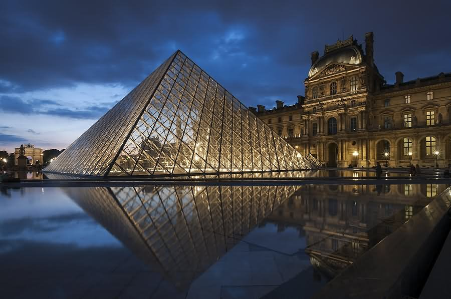 Louvre Museum At Night Image