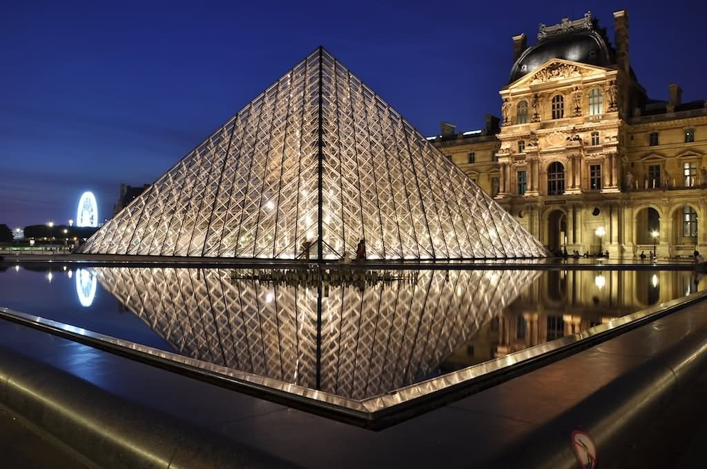 Louvre Museum At Night Picture