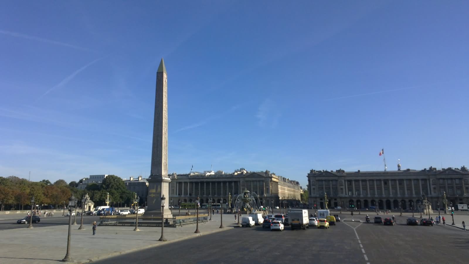 place de la concorde Place de la concorde is the largest square in paris in it's center is the obelisk of luxor, paris oldest monument the place is steeped in the history of the city and has been the backdrop for many an historical setting from the focal point of the reign of terror to the winners platform of the tour de france.