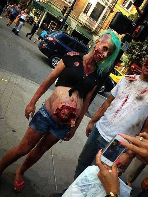 30 Most Funniest Zombie Costume - 64.2KB