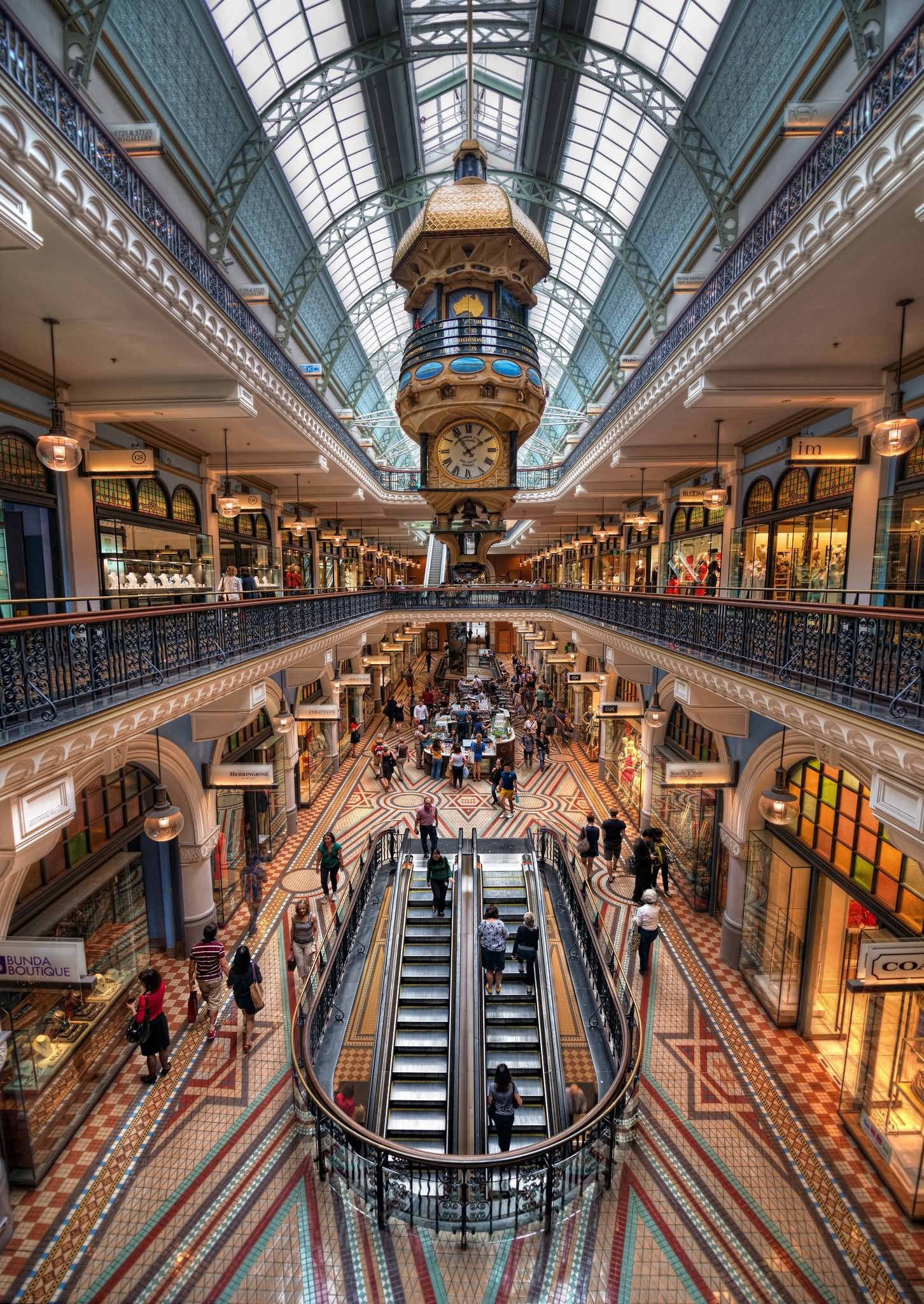 30 awesome queen victoria building images and picture