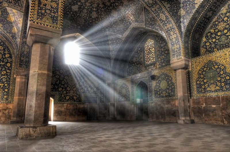 Sun Light Enters Taj Mahal Inside View