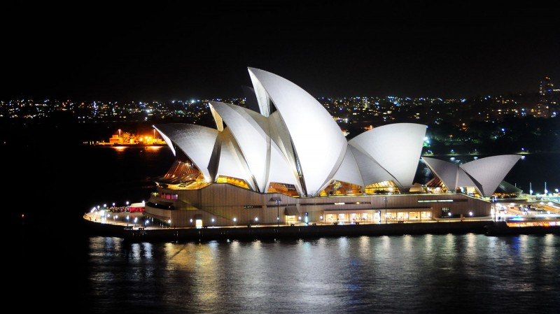 Sydney Opera House Looking Incredible At Night - 44+ Pictures Of Sydney Opera House At Night  PNG