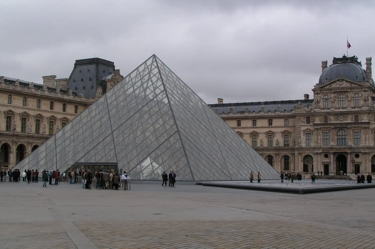 The Louvre Picture