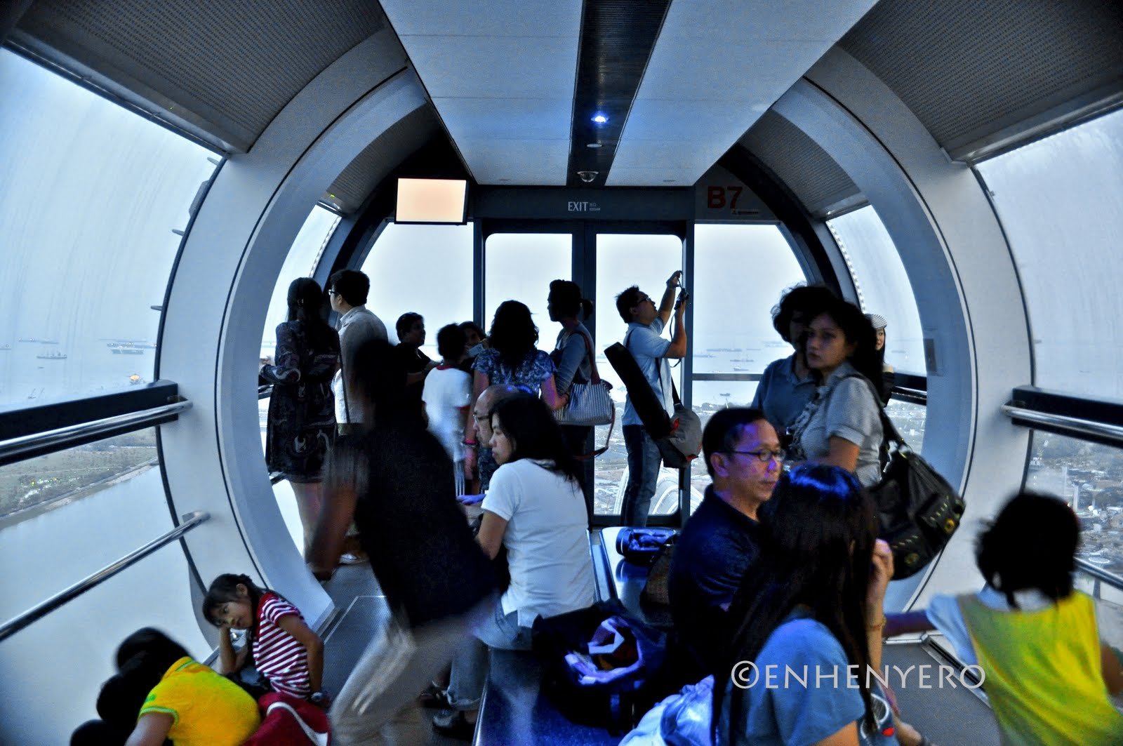 private singapore flyer sky dining capsule - HD 1600×1063
