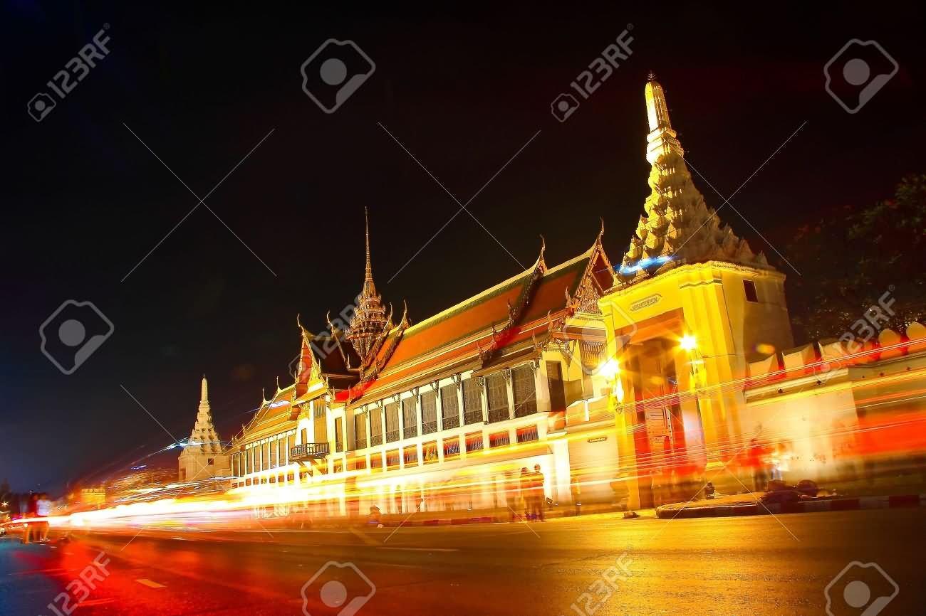 amazing lighting at grand palace night picture amazing lighting