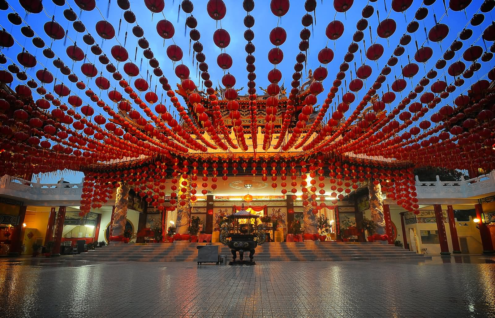 Beautiful Decoration At Thean Hou Temple