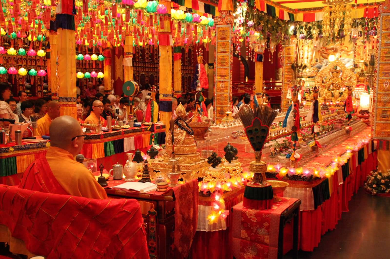 Buddha Tooth Relic Temple Inside Image