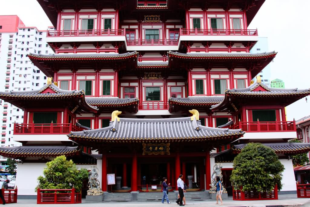 Buddha Tooth Relic Temple Main Entrance Picture