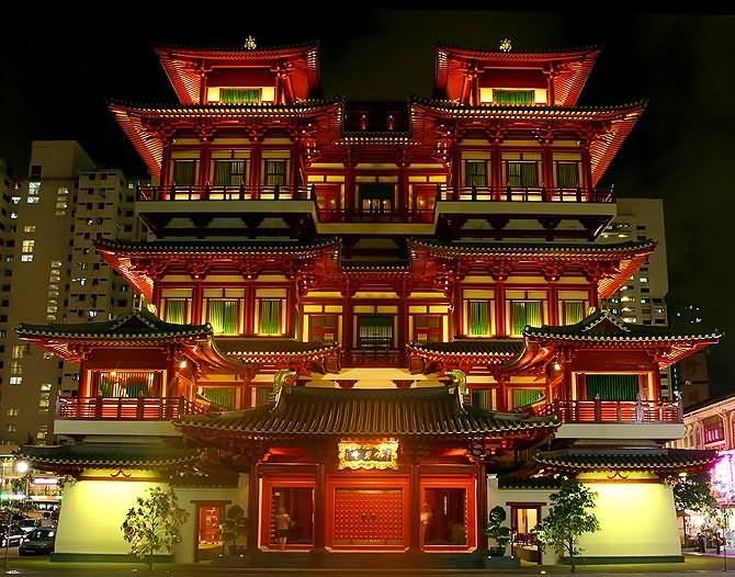Front Picture Of Buddha Tooth Relic Temple At Night