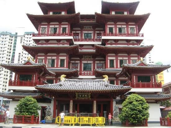 Front View Of Buddha Tooth Relic Temple