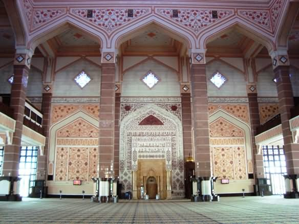 Incredible Inside View Of Putra Mosque