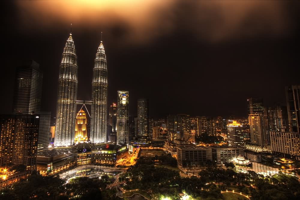Incredible Night View Of Petronas Towers