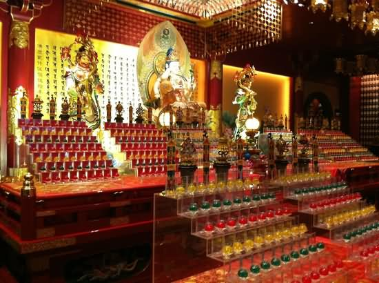 Inside The Buddha Tooth Relic Temple Picture