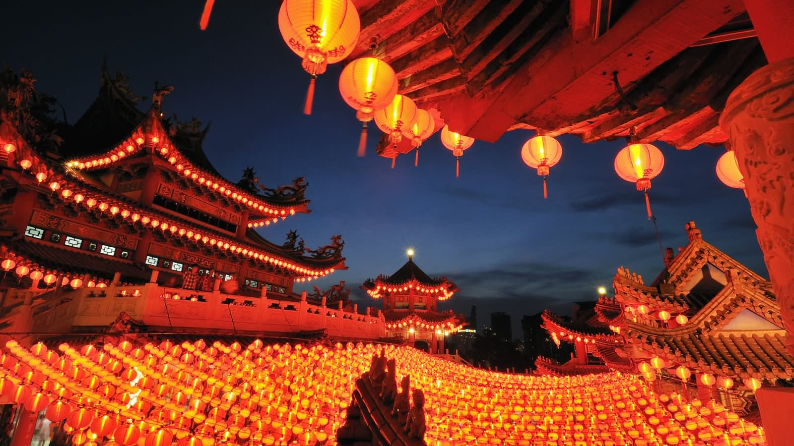 Lanterns Lit Up At Thean Hou Temple Night Picture