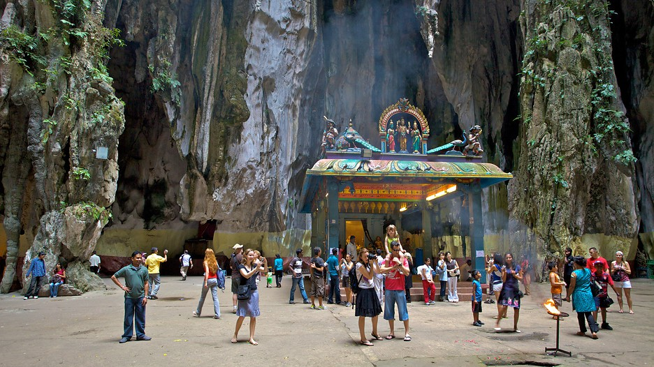 Large Number Of Tourists At Batu Caves