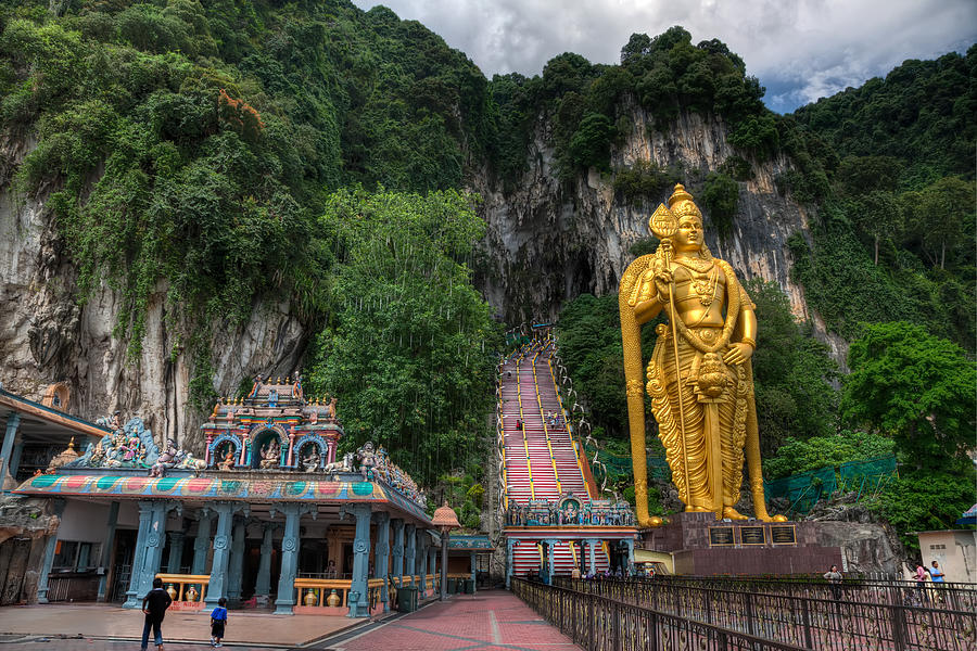 Murugan Statue At Batu Caves Picture