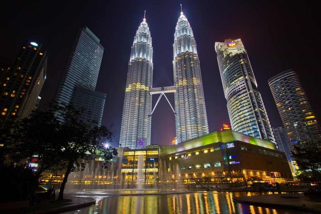 Petronas Towers Looks More Beautiful At Night