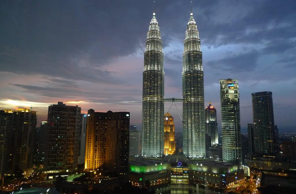 Petronas Towers Night View Picture
