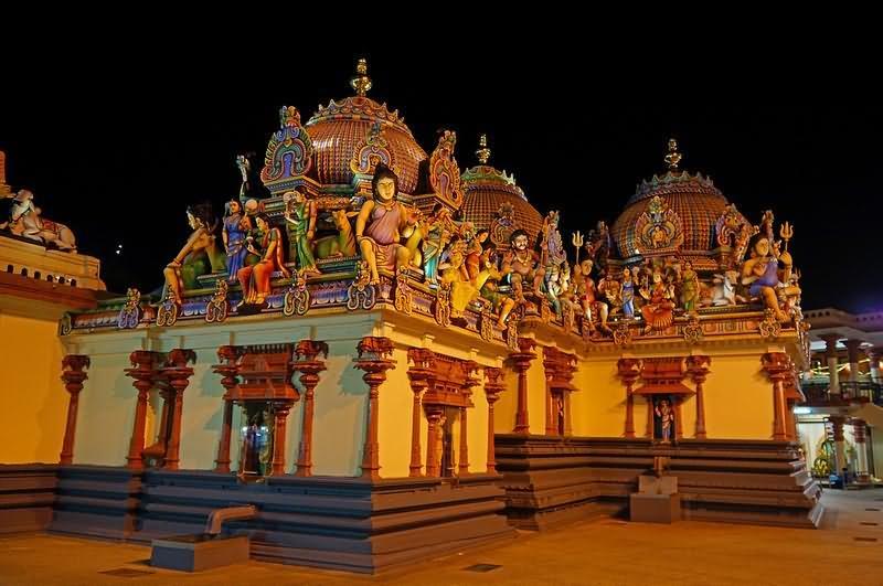 Jaya Sri Maha Bodhi at night - Picture of Ruwanwelisaya Dagoba ...