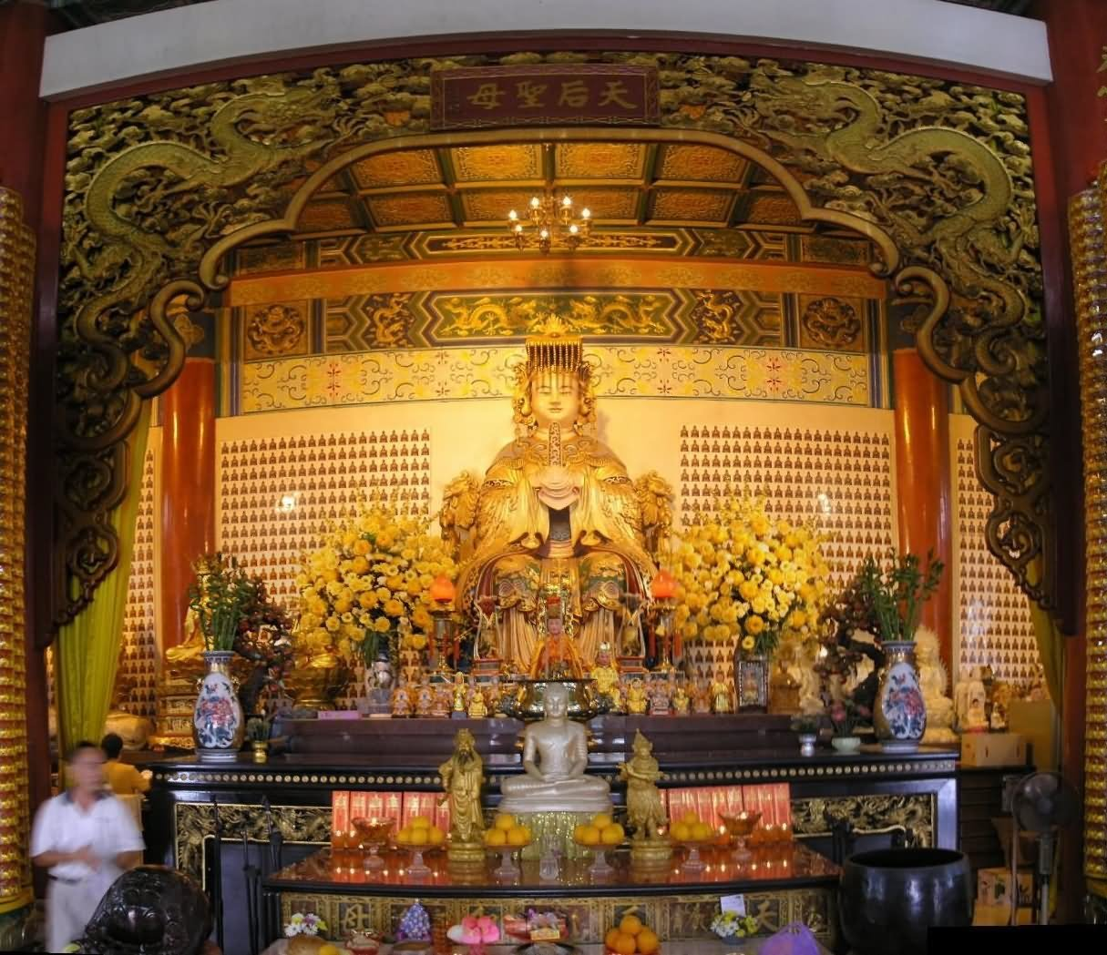 Thean Hou Temple Inside Image
