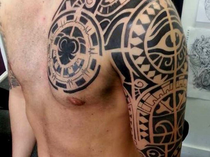 868e3d881943a Tribal Mexican Tattoo On Man Chest And Left Shoulder