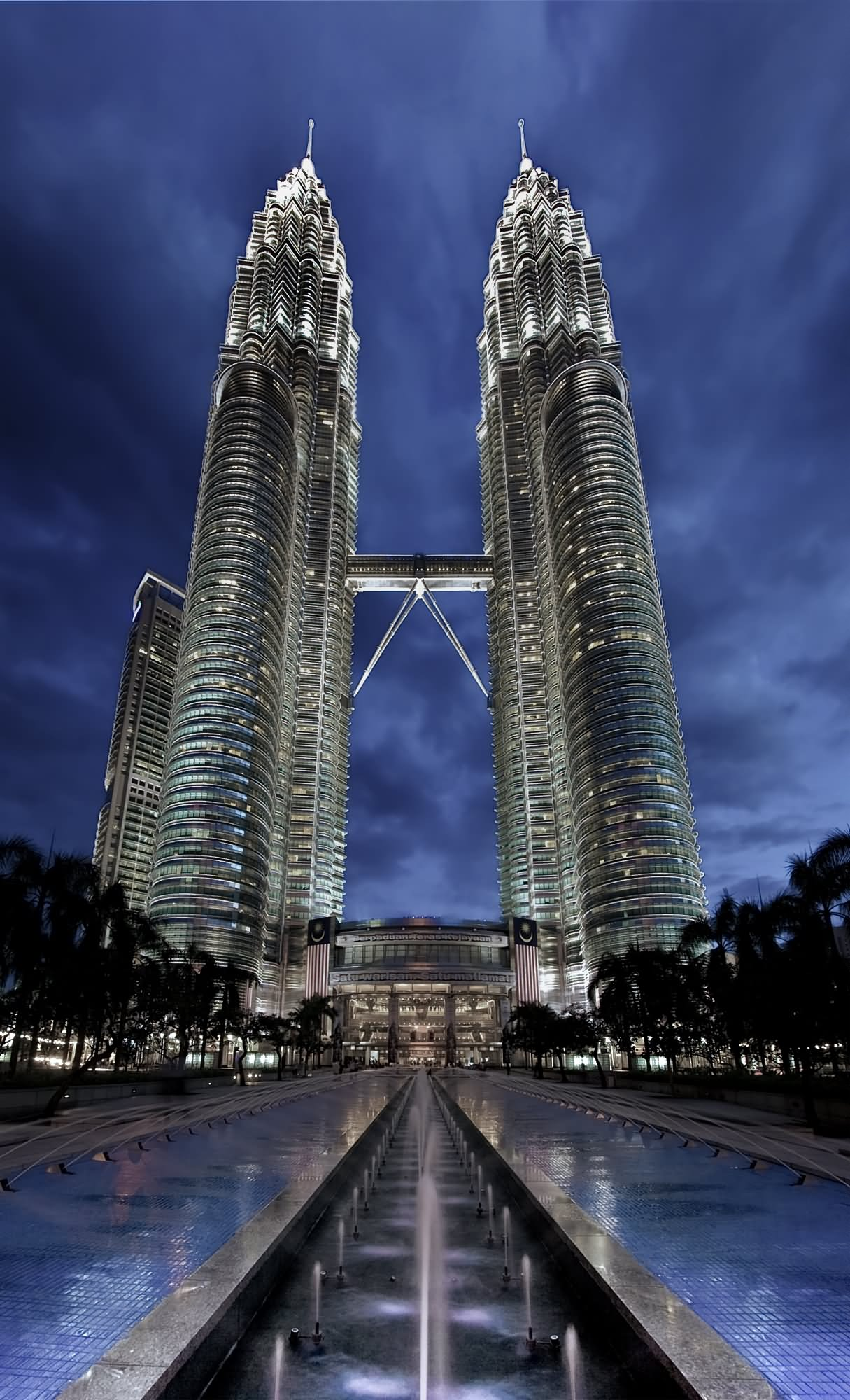 Very Beautiful View Of Petronas Twin Towers At Night