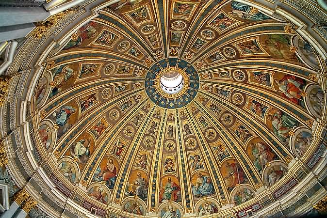 Beautiful Dome Inside St Peter S Basilica