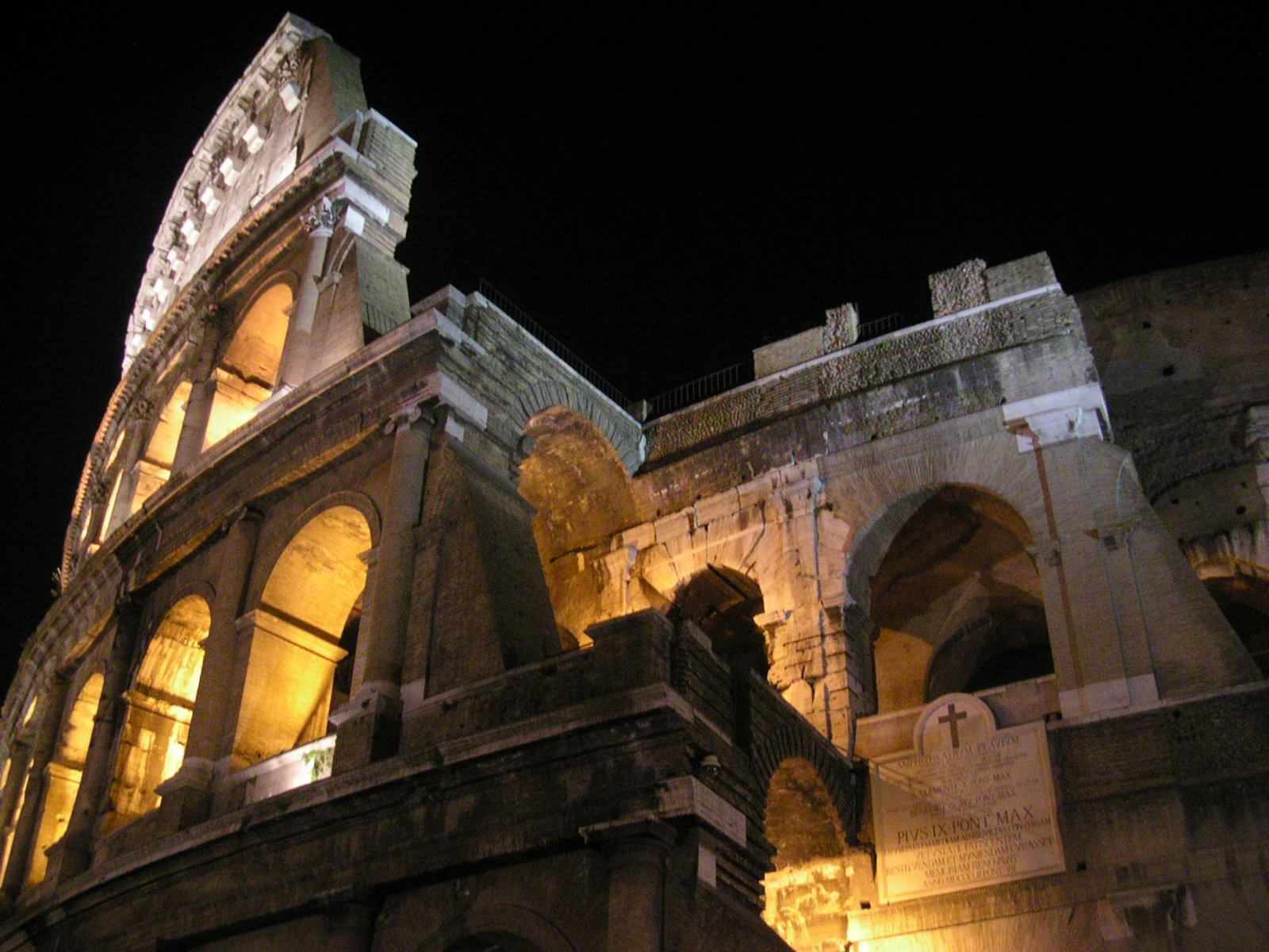 Amazing Wallpaper Night Colosseum - Closeup-Of-The-Colosseum-At-Night  You Should Have.jpg