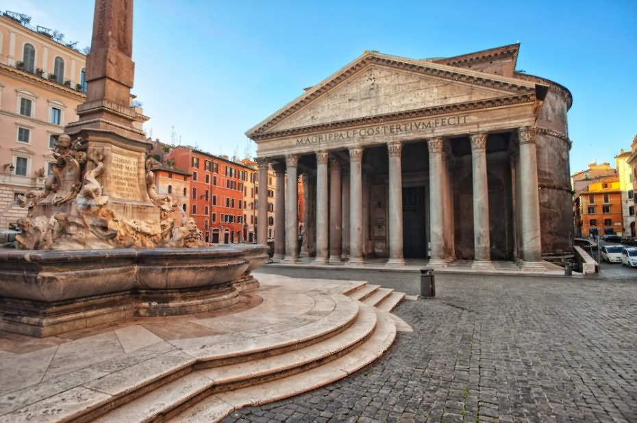 the architecture of the pantheon in rome italy