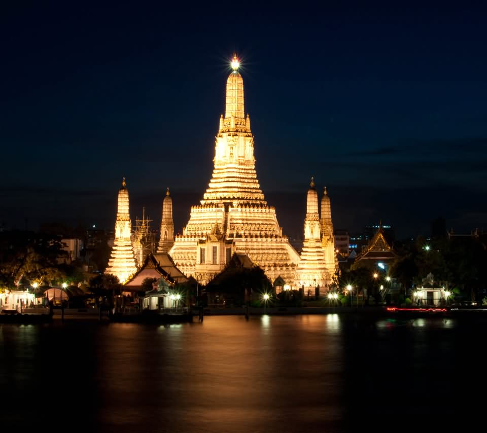 how to go to wat arun bangkok